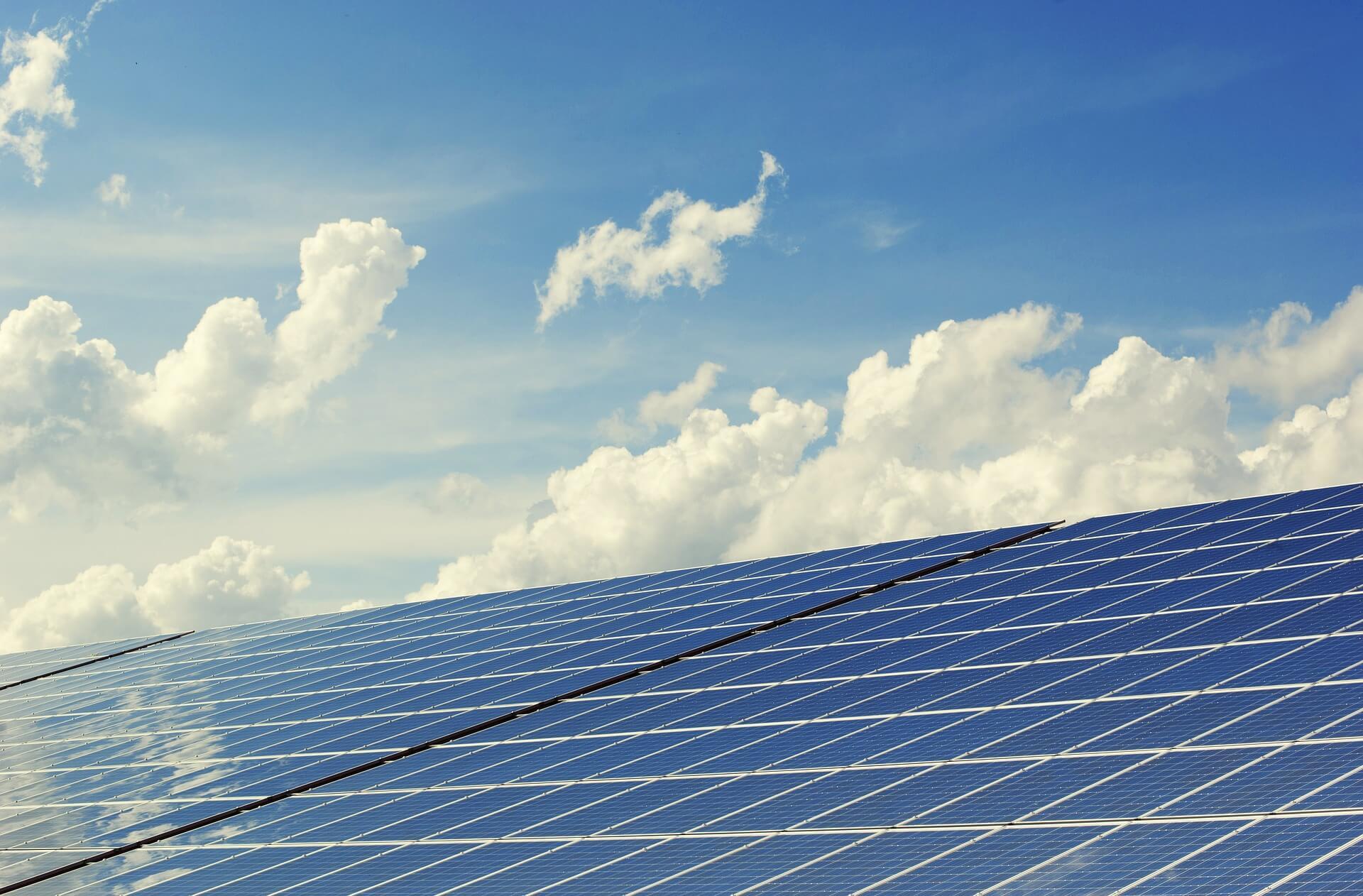 photovoltaic-2138992_1920-2